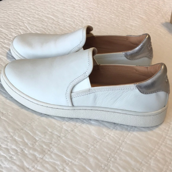 UGG Cas Slip on white size 8 NWT
